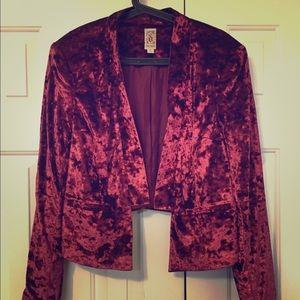 Burgundy red velvet cropped Decree blazer sz xl
